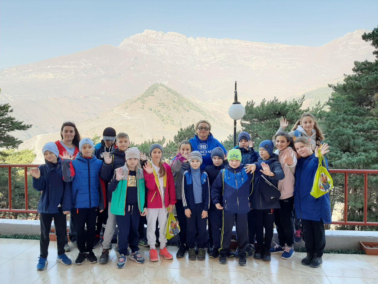Дети с Воскресенска в Армхи