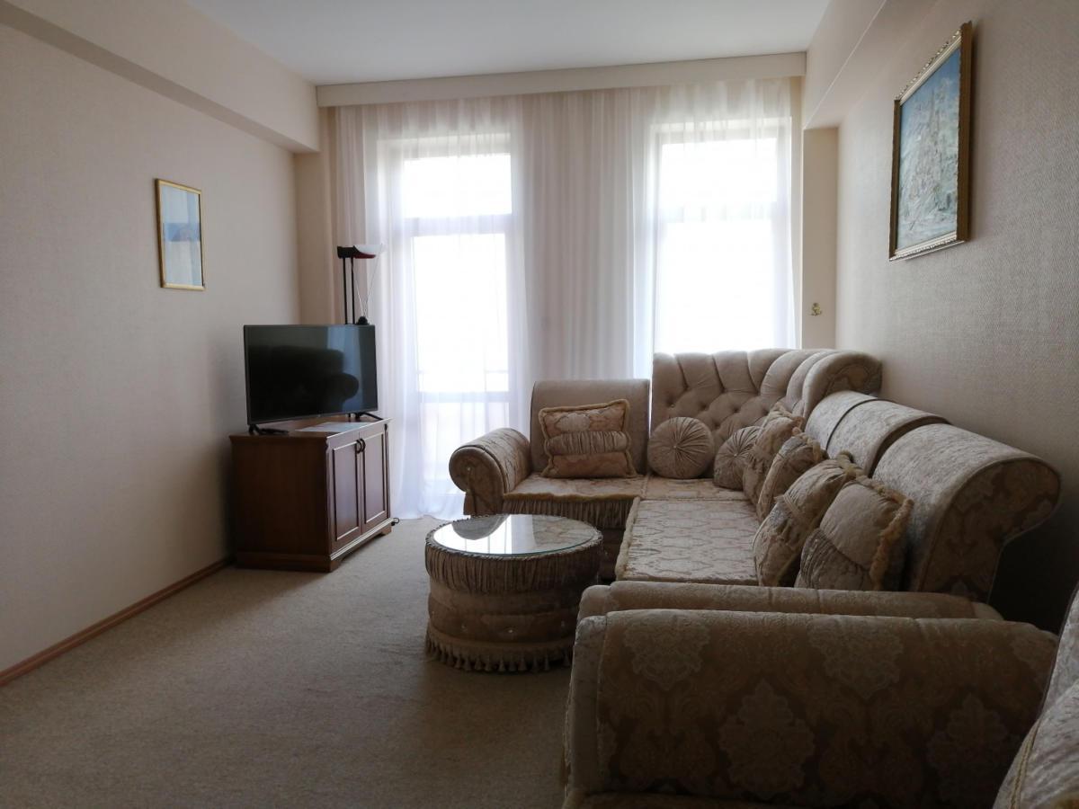 14prezidentskie-apartamenty-images-width-1440