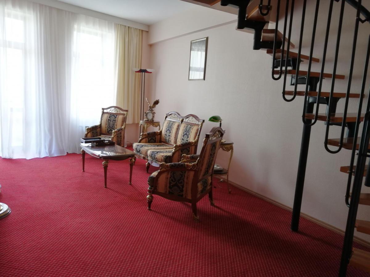 3prezidentskie-apartamenty-images-width-1440